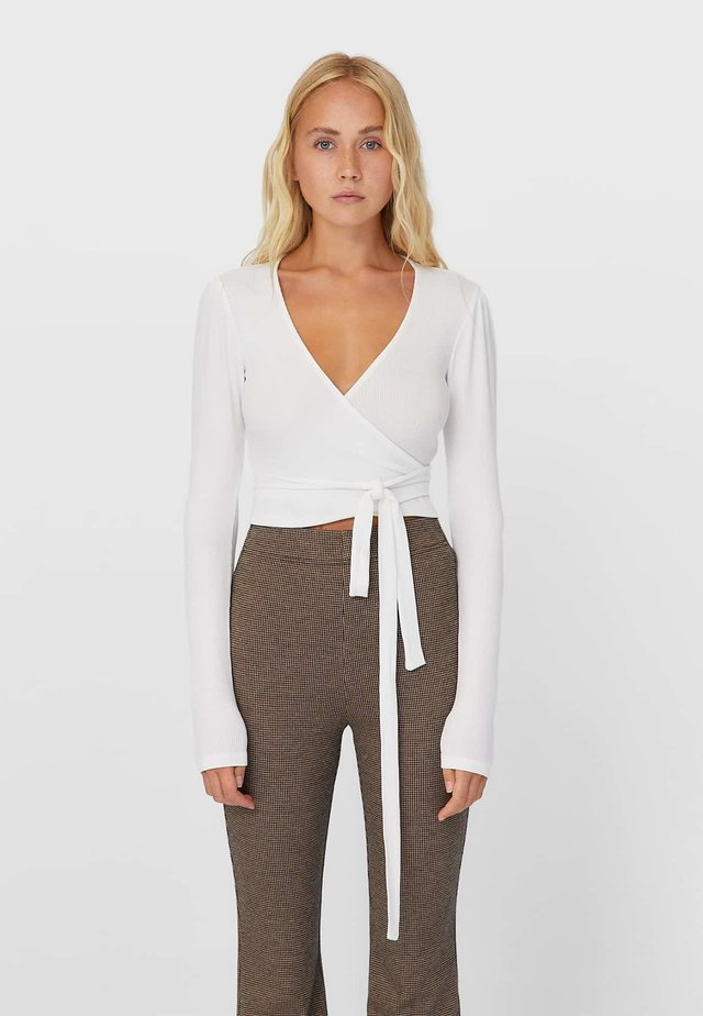 IN WICKELOPTIK - Long sleeved top - white