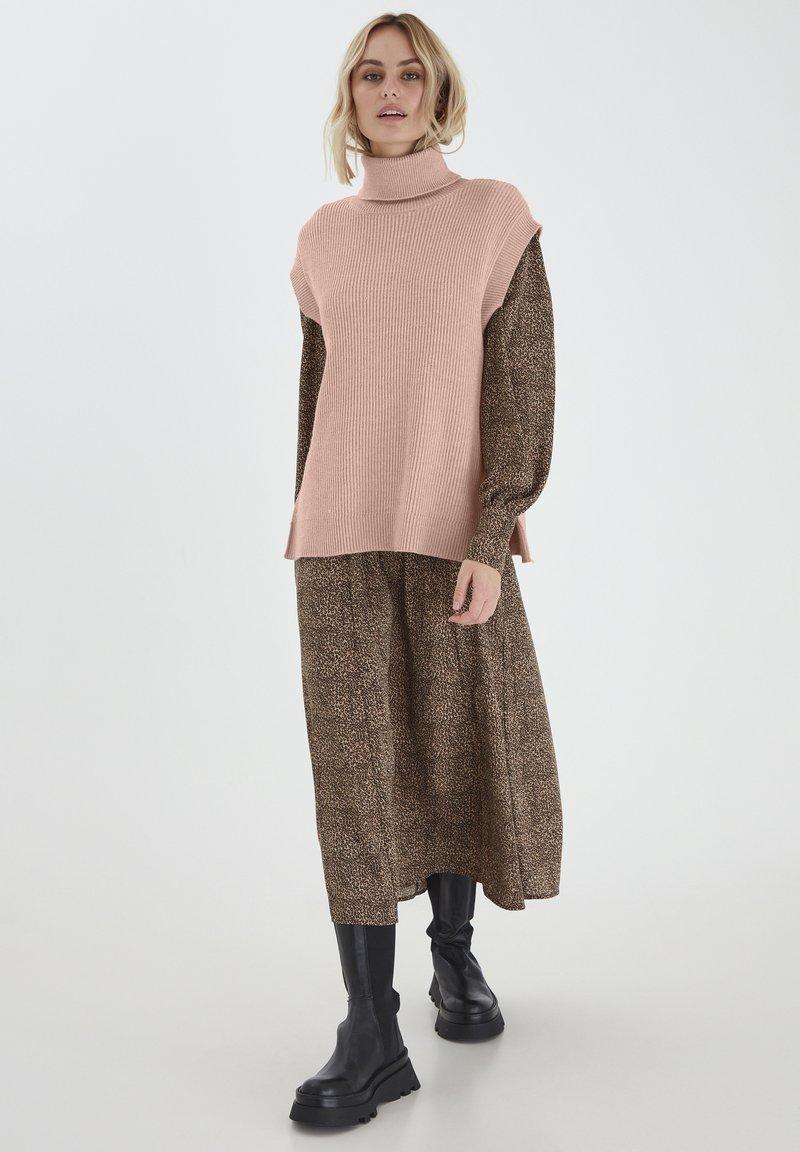 PULZ - Sweatshirt - mahogany rose melange