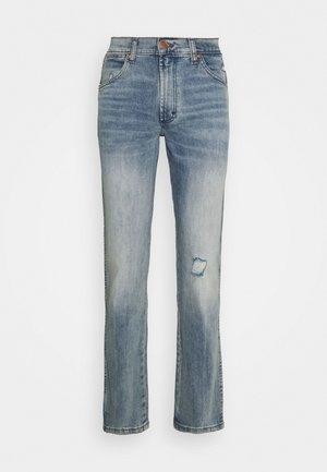 GREENSBORO - Jeans straight leg - dusty light