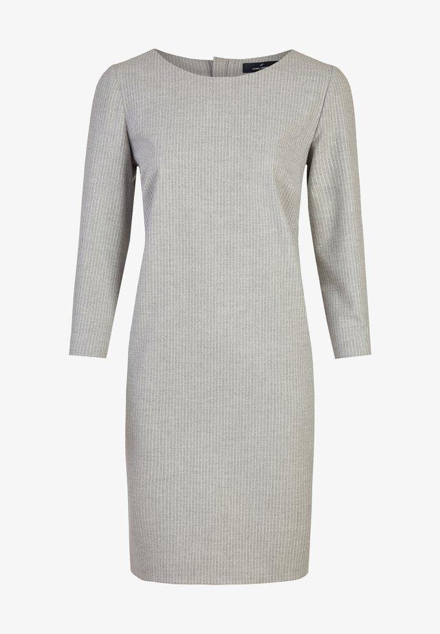 MIT RUNDHALSKRAGEN - Shift dress - silver