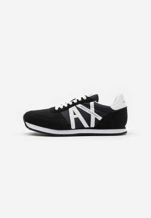 RETRO RUNNER - Trainers - black/white