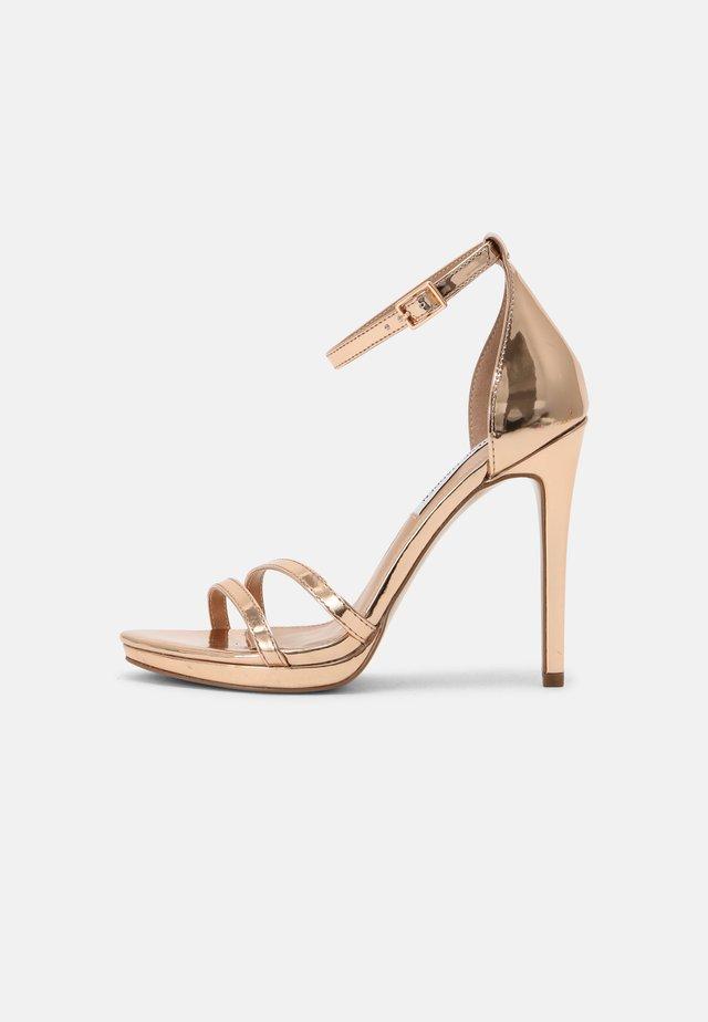 BRYDGET - Korkeakorkoiset sandaalit - rose gold