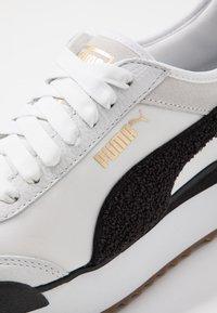 Puma - ROMA AMOR HERITAGE - Trainers - white/black - 2