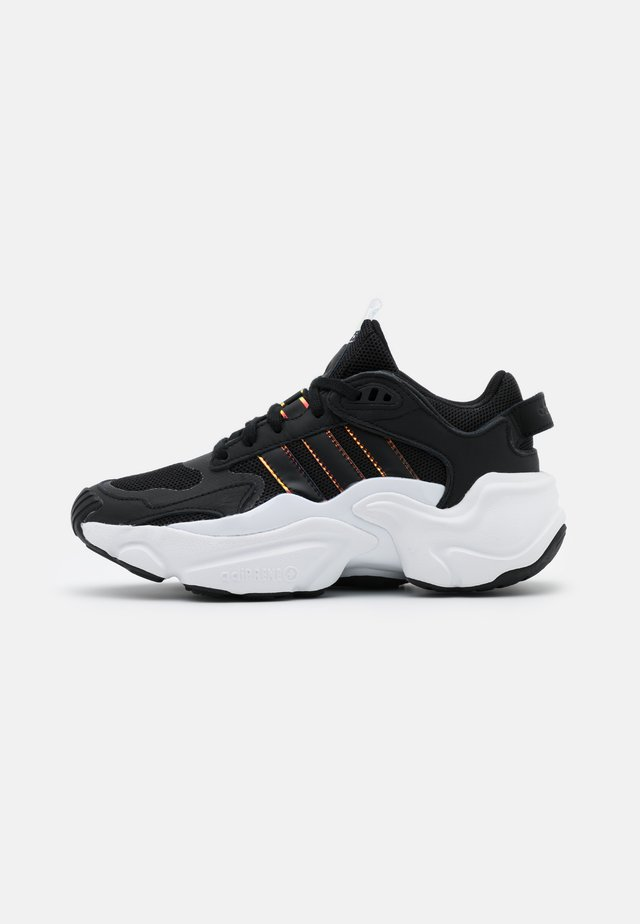 MAGMUR RUNNER SPORTS INSPIRED SHOES - Tenisky - core black/footwear white
