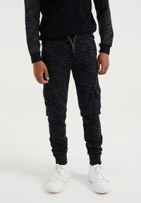 WE Fashion - Cargo trousers - black - 0