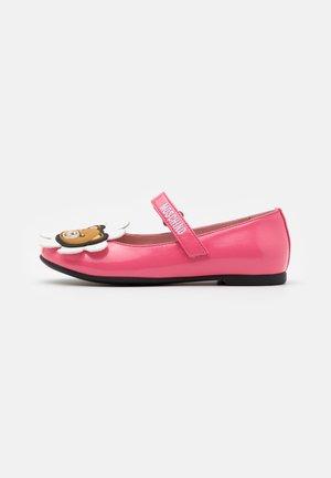 Ankle strap ballet pumps - pink