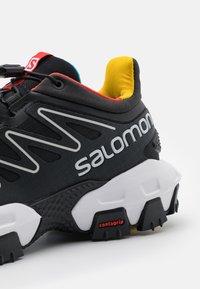 Salomon - XA PRO STREET UNISEX - Tenisky - black/white/racing red - 5
