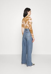 Topshop - Jeansy Relaxed Fit - blue denim - 2