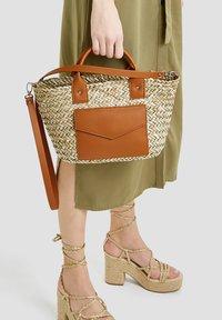 PULL&BEAR - Handbag - sand - 1