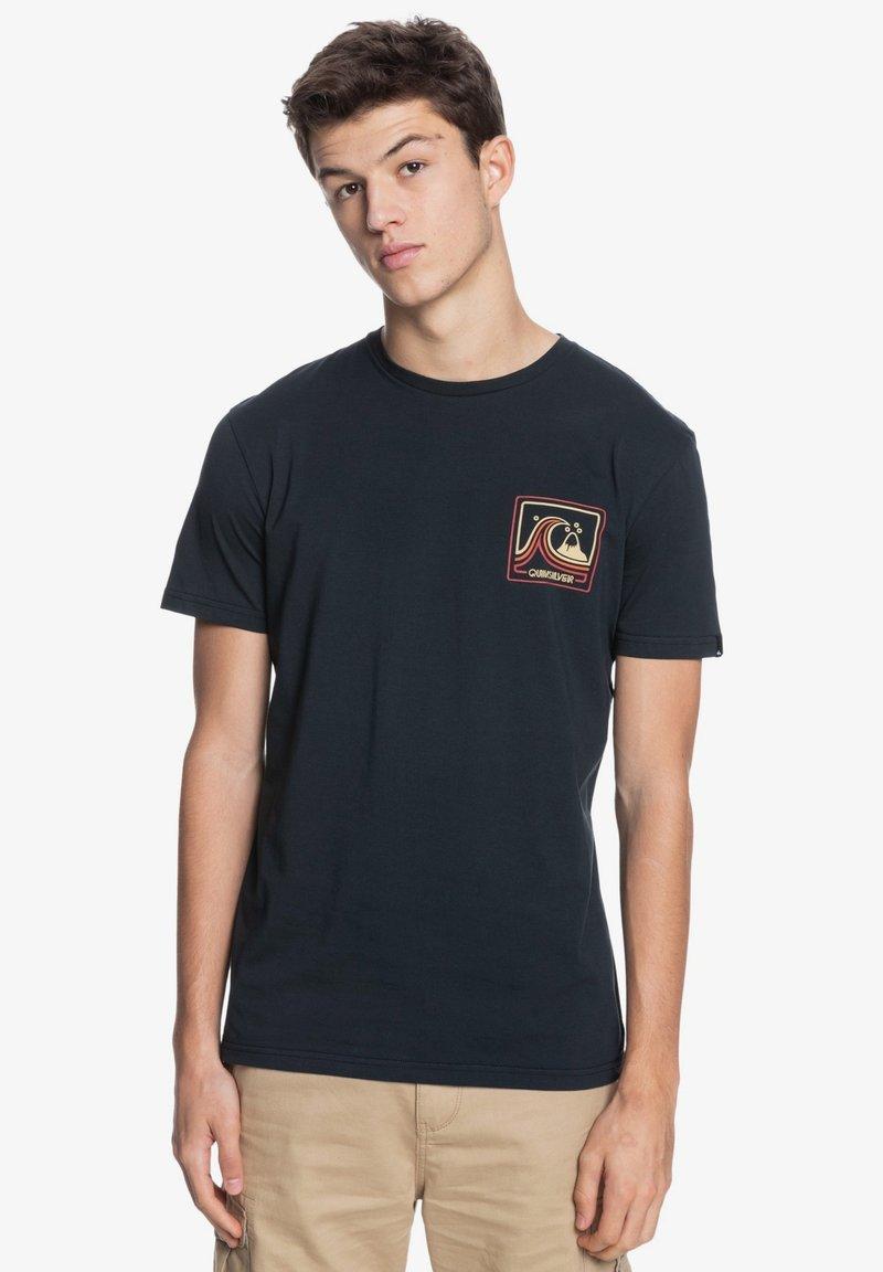 Quiksilver - HIGHWAY VAGABOND - Print T-shirt - black
