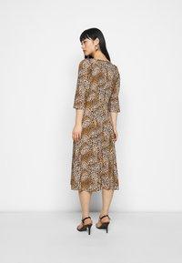 Dorothy Perkins Petite - ANIMAL SQUARE NECK MIDI DRESS - Day dress - brown - 0