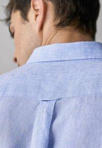 Massimo Dutti - IM REGULAR-FIT - Shirt - light blue - 4