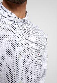 Tommy Hilfiger - DOT REGULAR FIT - Overhemd - white - 3