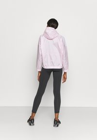 Reebok - TRACKSUIT - Tracksuit - frost berry - 3