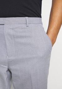 Burton Menswear London - SLUB - Pantaloni - light grey - 5