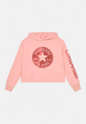 CHUCK TAYLOR SCRIPT SHINE CROPPED HOODIE - Felpa con cappuccio - storm pink