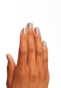 OPI - INFINITE SHINE - Nail polish - isla61 taupe-less beach - 1