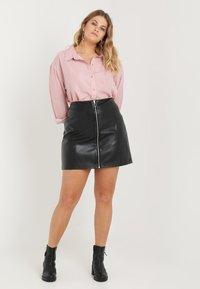 Urban Classics Curvy - LADIES ZIP SKIRT - A-line skirt - black - 1