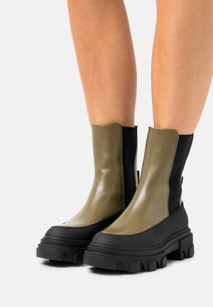 ONLTOLA CHUNKY BOOT  - Platform ankle boots - olive