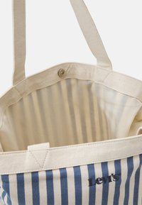 Levi's® - WOMEN'S STRIPED SHOPPER - Shoppingveske - blue - 2