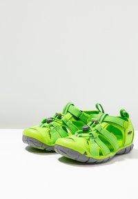Keen - SEACAMP II CNX - Chodecké sandály - vibrant green - 3