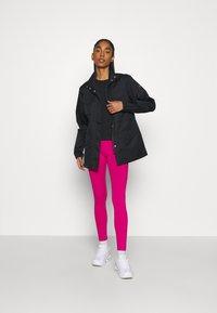 Nike Sportswear - Lett jakke - black/iron grey - 1