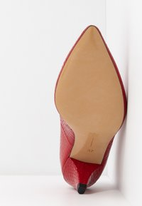 L37 WIDE FIT - WIDE FIT GO YOUR OWN WAY - Classic heels - red - 6