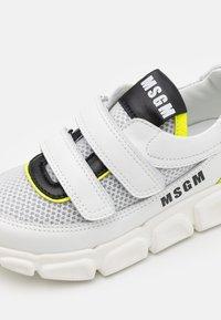 MSGM - UNISEX - Trainers - white/neon yellow - 5