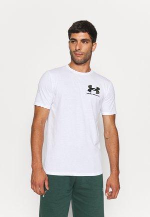 CAMO FILL WORDMARK - T-shirts med print - white