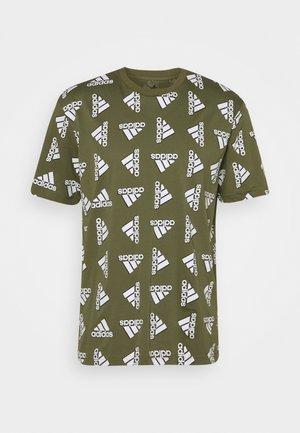 BLUV ESSENTIALS LOOSE - Print T-shirt - focus olive