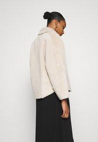 Oakwood - HELEN REVERSIBLE - Light jacket - light beige - 3
