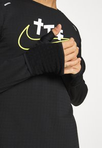 Nike Performance - SPHERE ELEMENT CREW EKIDEN - Sweatshirts - black/cyber - 3