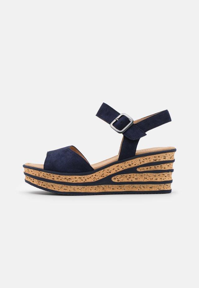 Sandales à plateforme - bluette
