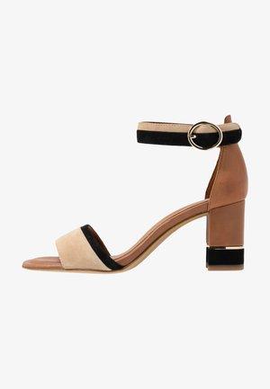 WOMS SANDALS - Ankle cuff sandals - cognac