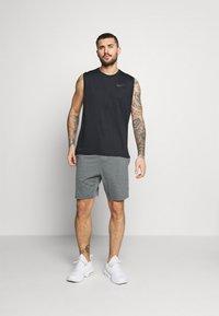Nike Performance - YOGA - Urheilushortsit - smoke grey/iron grey/black - 1