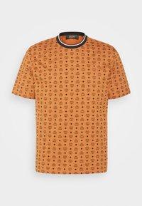 MCM - SHORT SLEEVES - T-shirt imprimé - cognac - 3
