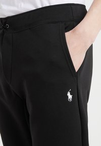 Polo Ralph Lauren - Pantalon de survêtement - black - 5