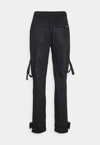 Sixth June - STRAP PANTS - Pantaloni cargo - black - 1