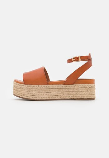 Sandales à plateforme - hazelnut