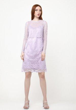 GALERI - Shift dress - flieder