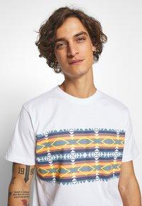 Urban Classics - INKA PATTERN TEE - Print T-shirt - white - 3