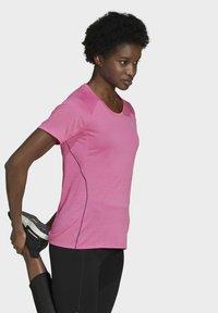 adidas Performance - RUNNER - T-shirt print - pink - 3