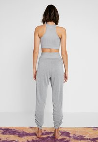 Free People - FP MOVEMENT READY TO GO PANT - Træningsbukser - grey - 2