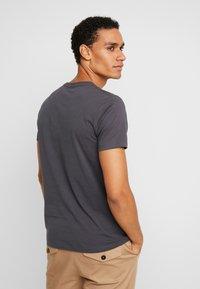 Esprit - NEW ICON - T-shirt z nadrukiem - anthracite - 2