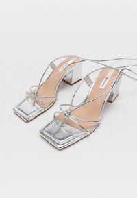 Stradivarius - Sandály na vysokém podpatku - silver - 2
