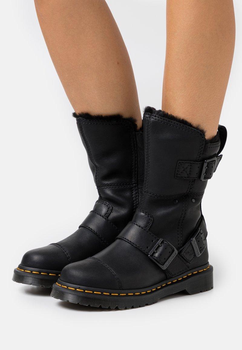 Dr. Martens - KRISTY MID - Boots - black