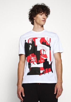 DENTRAL - Print T-shirt - white