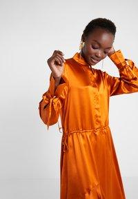 Mykke Hofmann - KALEVA - Abito a camicia - orange - 4