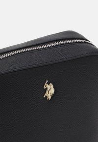 U.S. Polo Assn. - JONES CROSSBODY BAG  - Olkalaukku - black - 3
