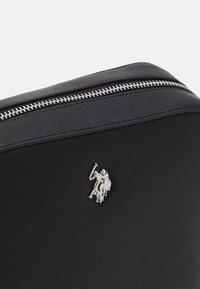 U.S. Polo Assn. - JONES CROSSBODY BAG  - Sac bandoulière - black - 3